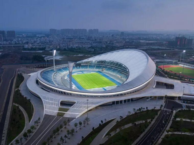 海口五源河体育场落成|gmp新建海景体育场