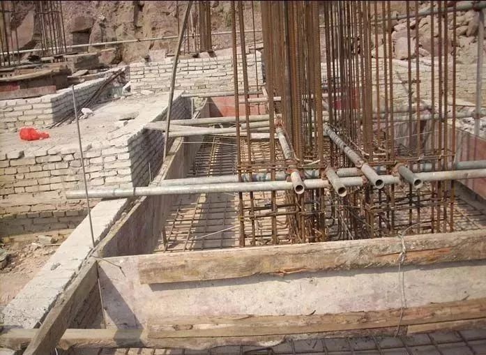 图文详解七大模板安装工程质量通病及防治措施