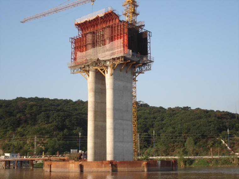 高速铁路大跨连续刚构桥悬臂浇筑施工工法(73页)