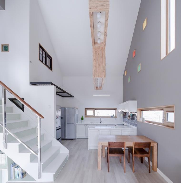 山脚下的私密性阶梯住宅_10
