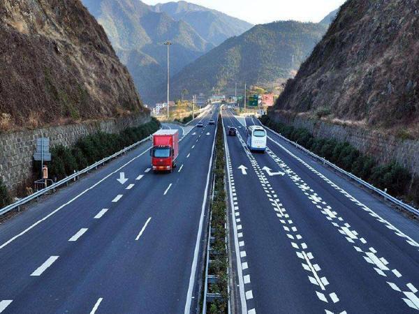 高速公路膨胀土路基的施工处理方法