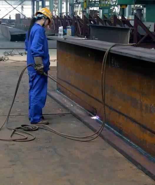 [钢构知识]钢结构加工制作流程详解_11