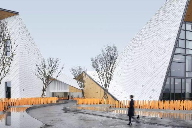 成都8大最新精品楼盘:万科+龙湖+绿城+保利+中南...._5