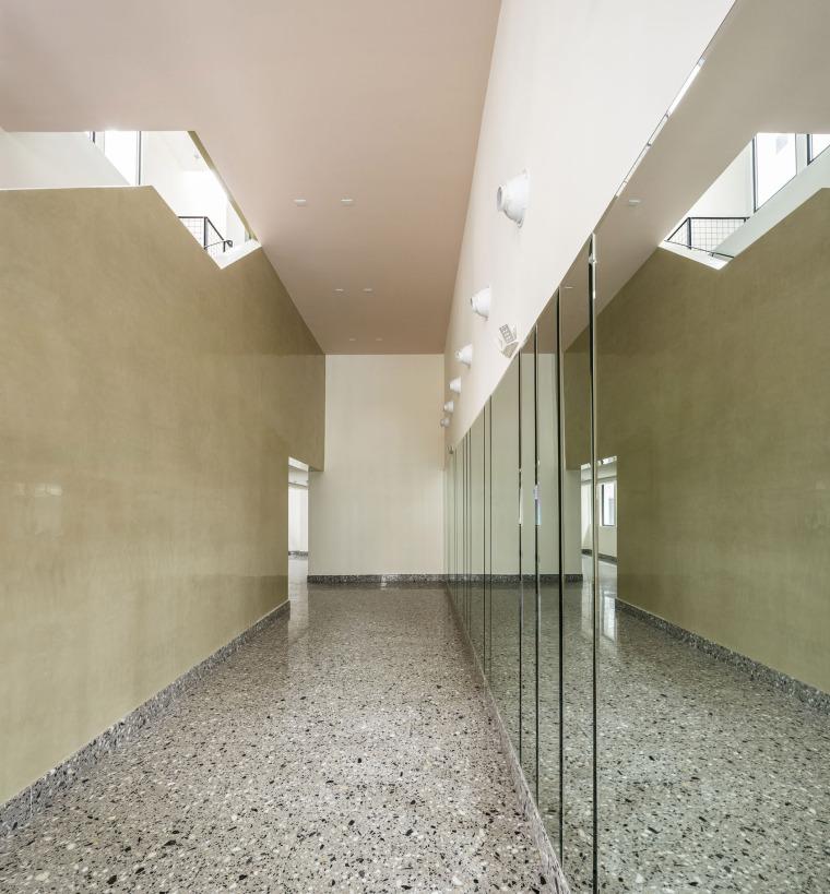 015-renovation-of-la-moderna-by-sketch