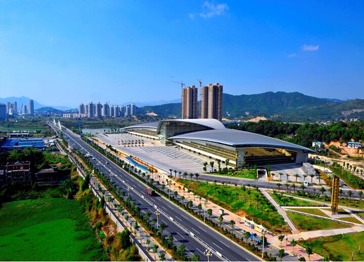国际会展中心工程质量汇报文件(附图丰富)