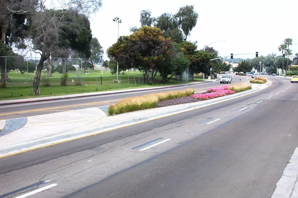 道路景观设计怎么破?看这里就够了!文末附:54套道路景观资料_10