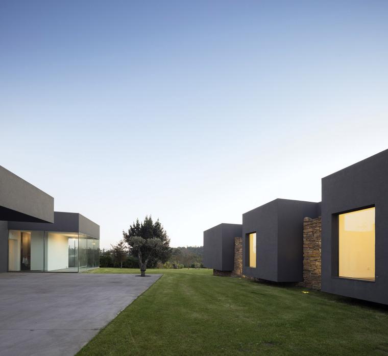 葡萄牙Vigario住宅-009-Vigário-House-Portugal-by-AND-RÉ