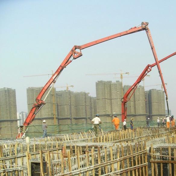 10月两起塔吊倒塌事故,成都市建委启动建筑起重机械安全隐患排查_1