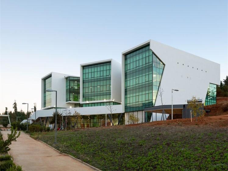 智利PUCV大学医学技术大楼