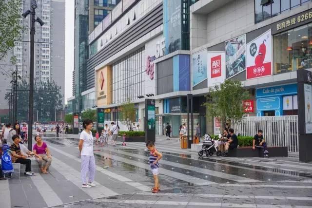 一个单词产生的设计灵感,结果火了北京的商业广场~_18