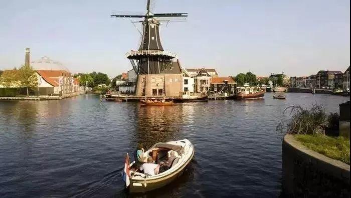 荷兰人与水抗争的智慧,如今都成为了世界文化遗产