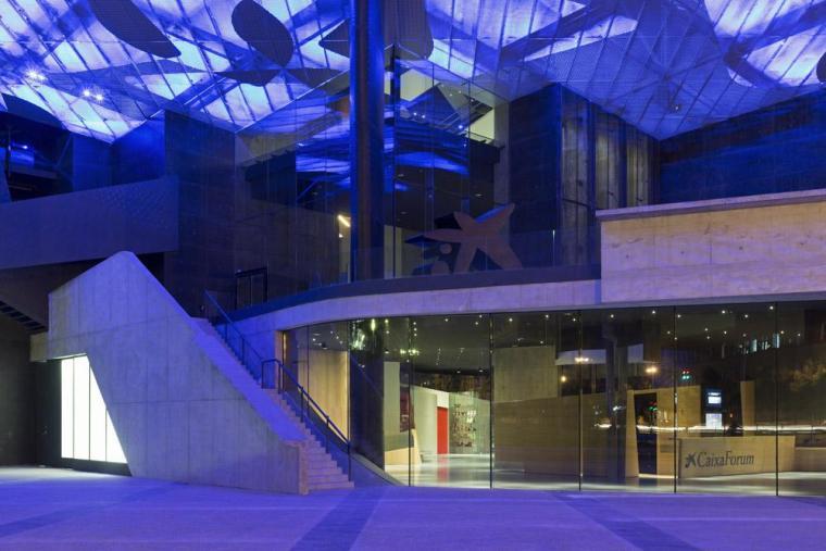 西班牙独特雕塑般构造的文化中心内部实景图 (20)