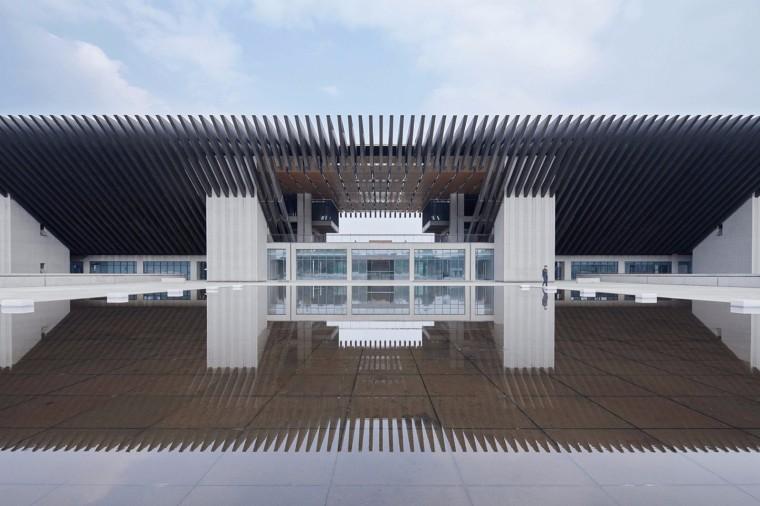 混凝土与风景——成都航宇(CAST) / 深圳汤桦建筑设计+新疆建筑