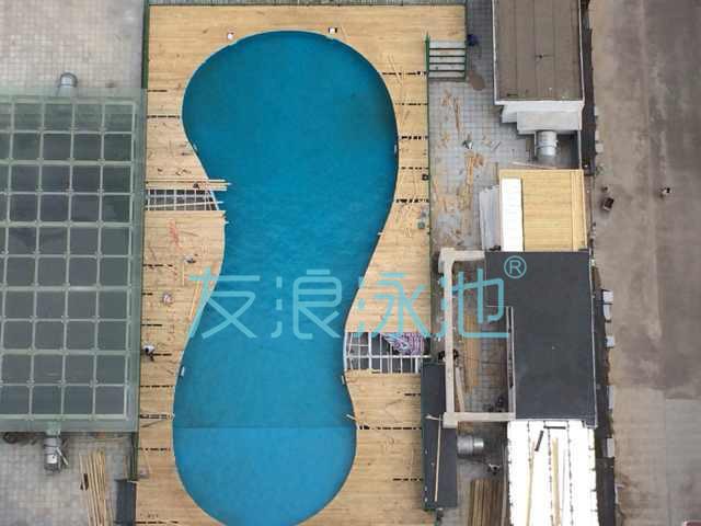 健身房内建造泳池其实很简单