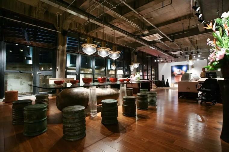 上海现代感的老场坊博览馆室内实景图