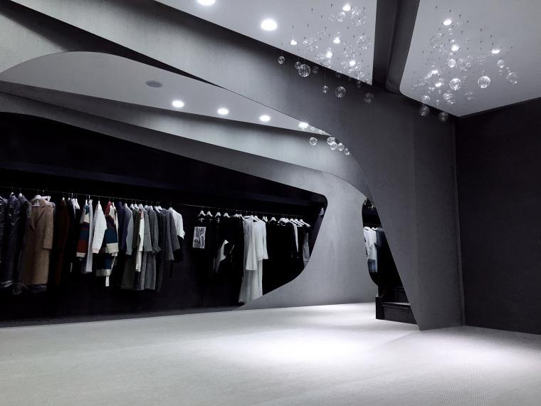 北京建外SOHO设计师女装店