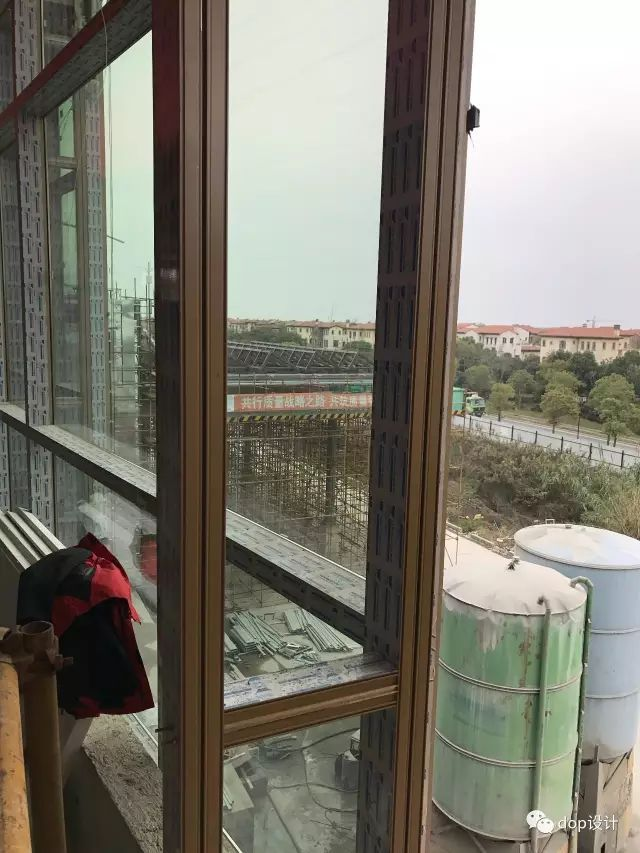玻璃幕墙与装饰收口问题及施工流程_28
