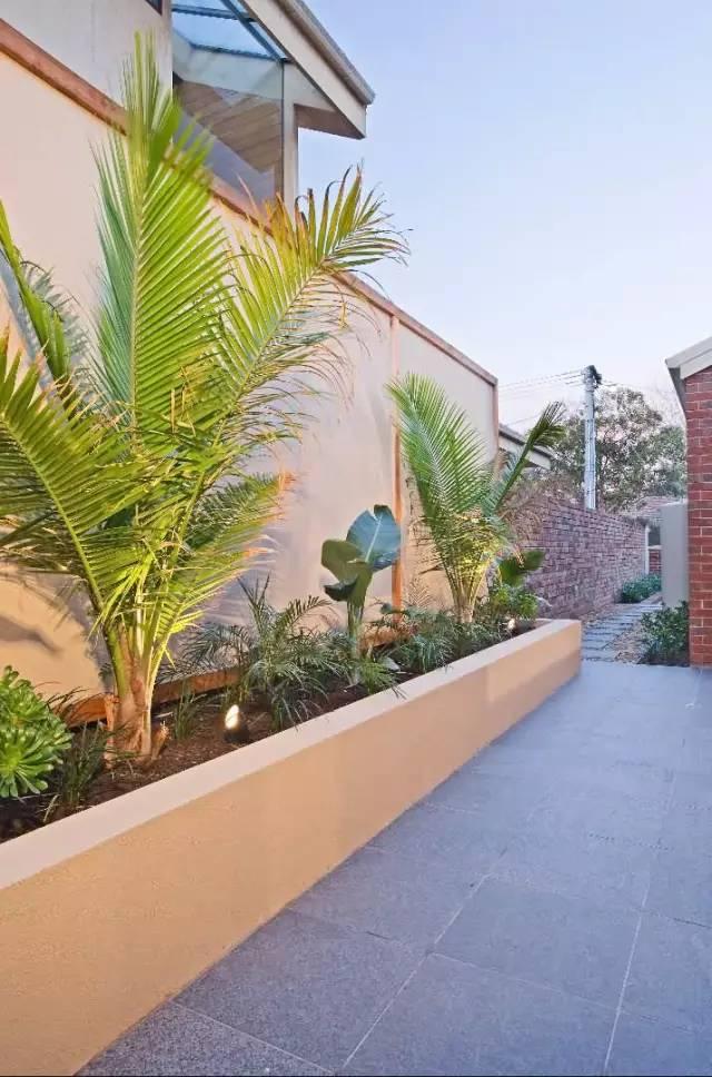 赶紧收藏!21个最美现代风格庭院设计案例_35