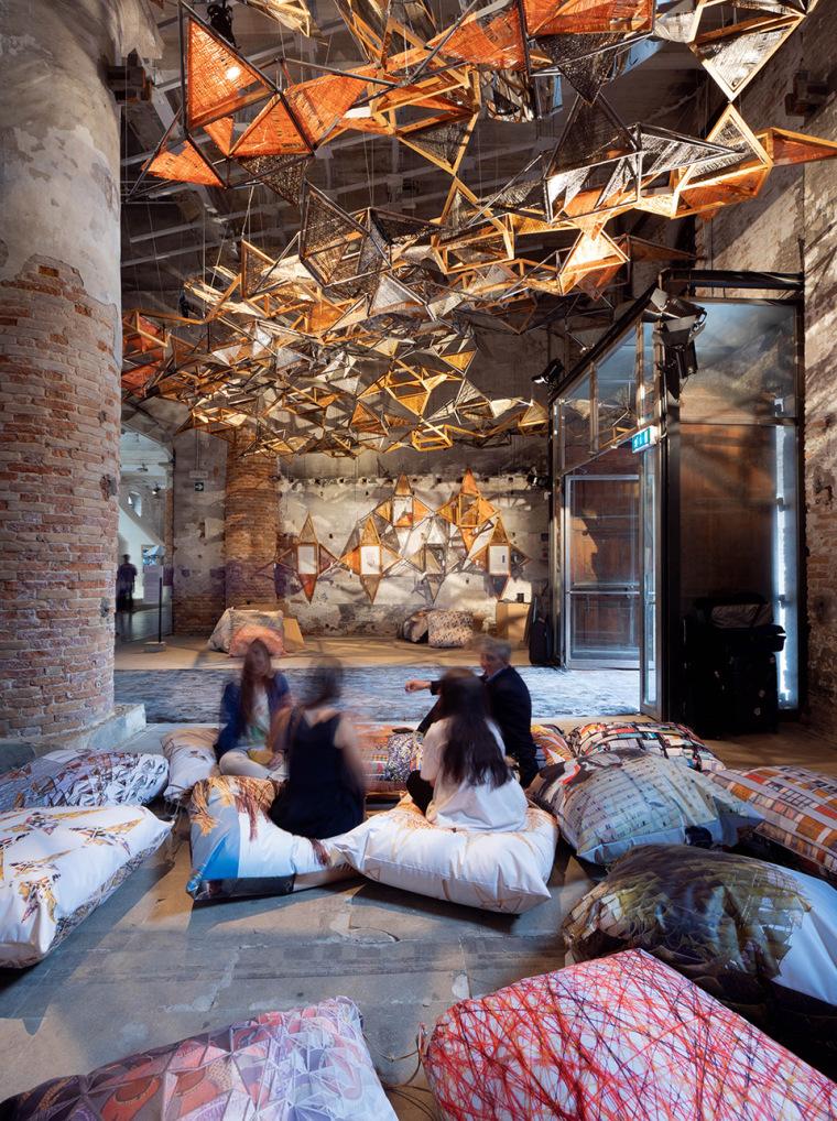 意大利建筑元素的编织艺术实景图 (1)