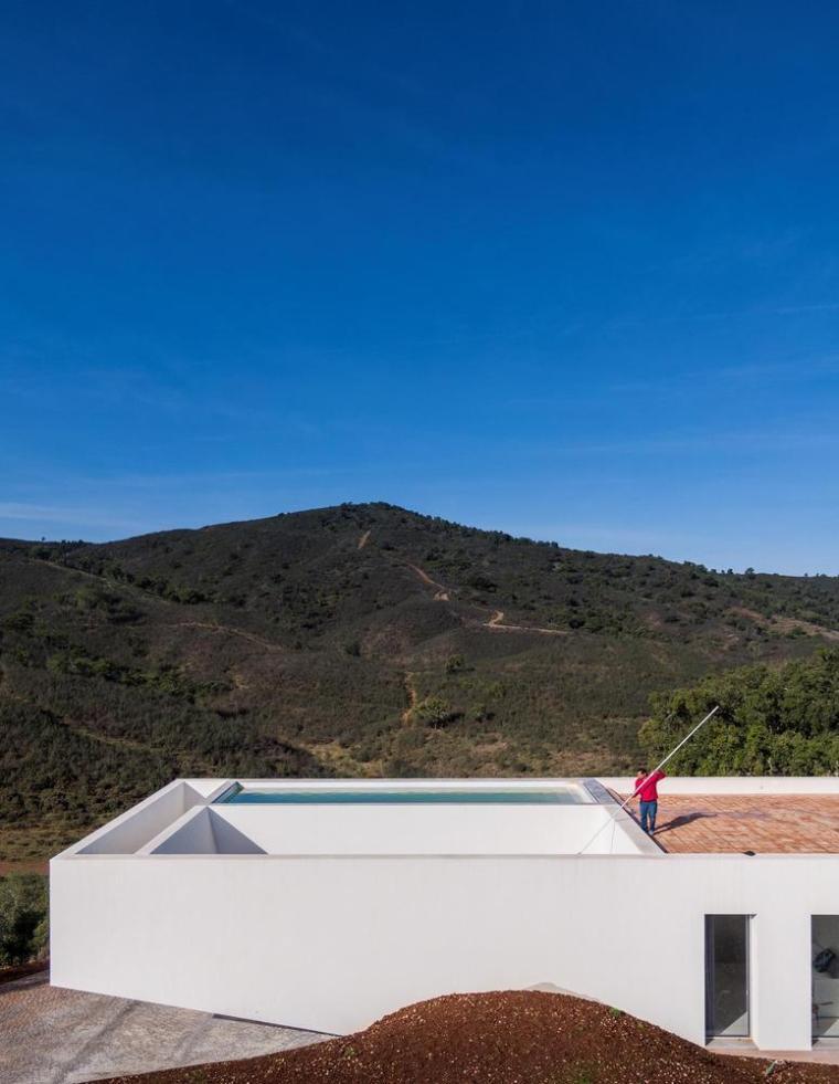 葡萄牙雕塑艺术般写意的住宅-1551071377969802