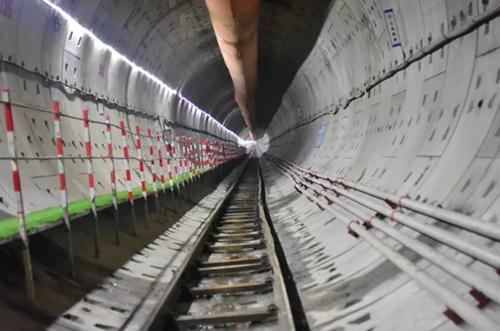 杭州地铁6号线振浦路站至之江海洋公园站过江隧道双线贯通