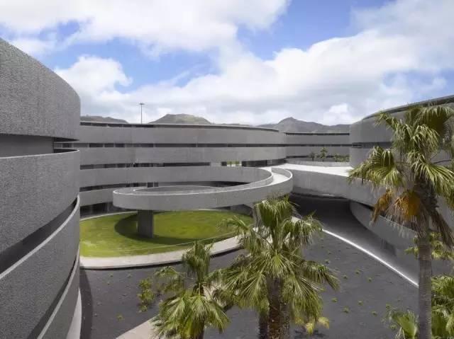 最美大学美院馆,一道道弧线创造的艺术