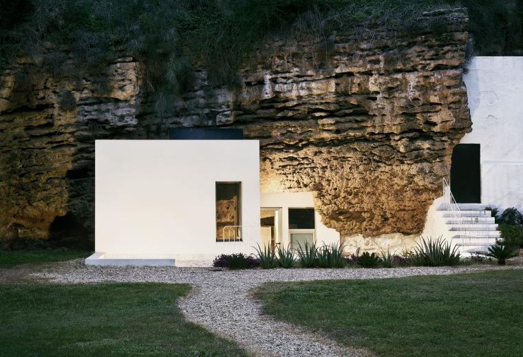 比利亚鲁维亚洞穴住宅