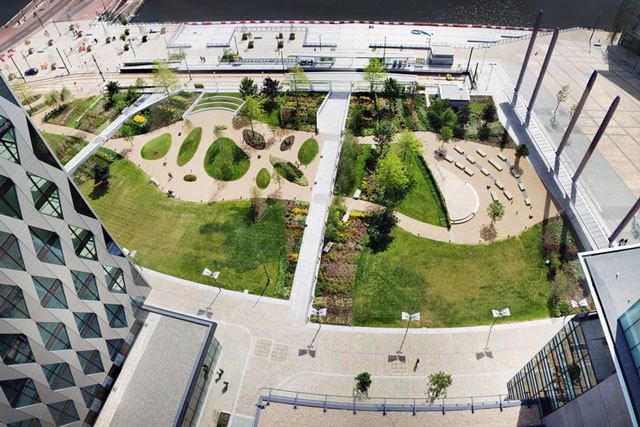 1-英国媒体城户外空间景观设计第1张图片