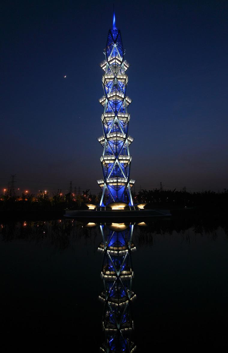 科技大学景观塔外部夜景实景图 (8)