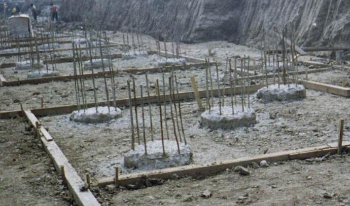 桥梁桩基础钻孔过程中发生坍孔如何处理?