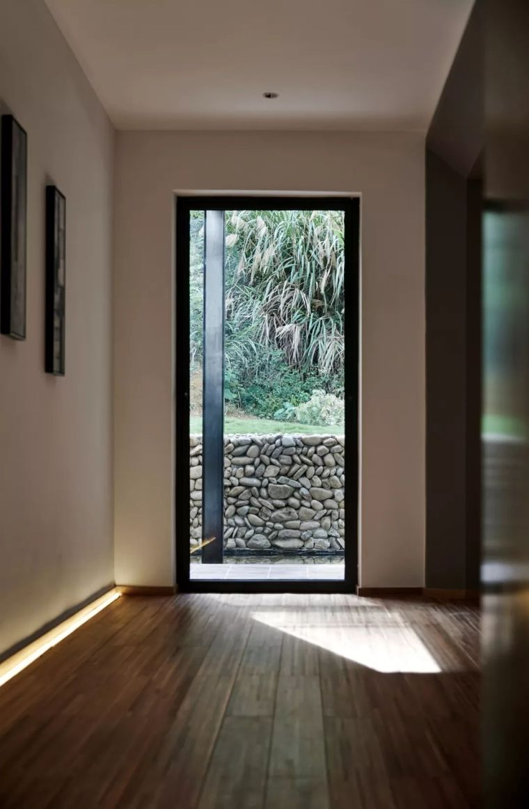 水泥厂改造成民宿,自然简约的设计就是这么美_17