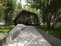 伊朗挑战边界概念的无柱天篷装置
