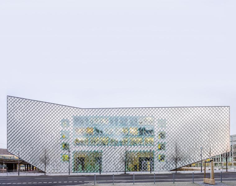 德国低耗能的会展中心-4