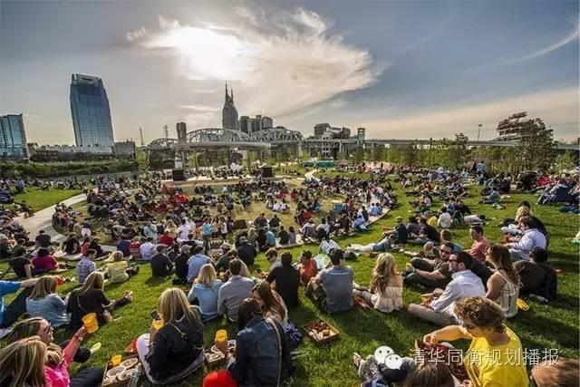 一个荒地改造的公园凭什么能每天吸引1000个家庭,成为经典?