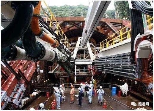 NATM工法遇地基沉降改用TBM,日本广岛高速5号线公路二叶山隧道盾构