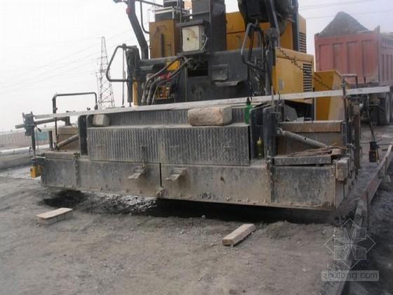 水泥稳定碎石试验段施工技术交底