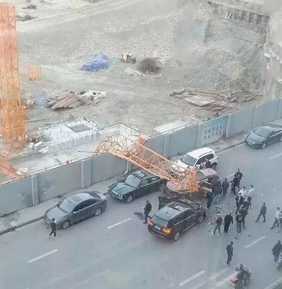 2018年塔吊倒塌事故频发,如何预防?塔吊安拆过程中检查要点有啥