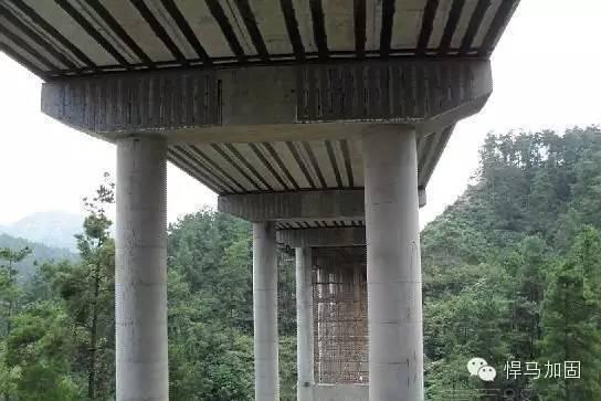 桥梁结构碳纤维加固技术与应用