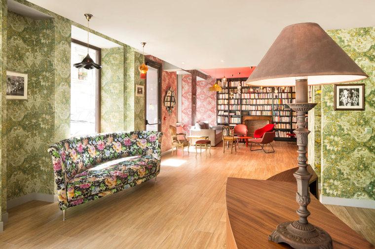 巴黎:HotelJosephine一个被花卉和色彩包裹的华丽空间_2