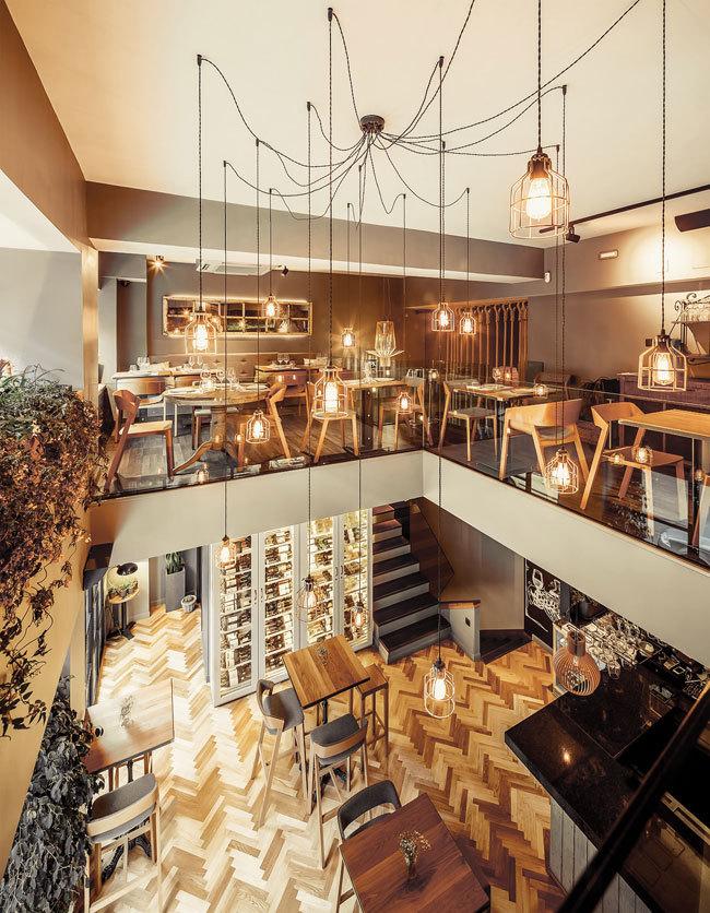 舒适华丽餐厅设计_5
