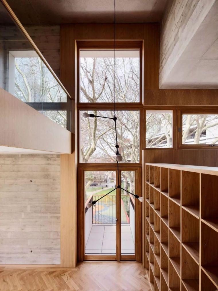 建筑师独立开发的公寓楼,真是好房子!_37