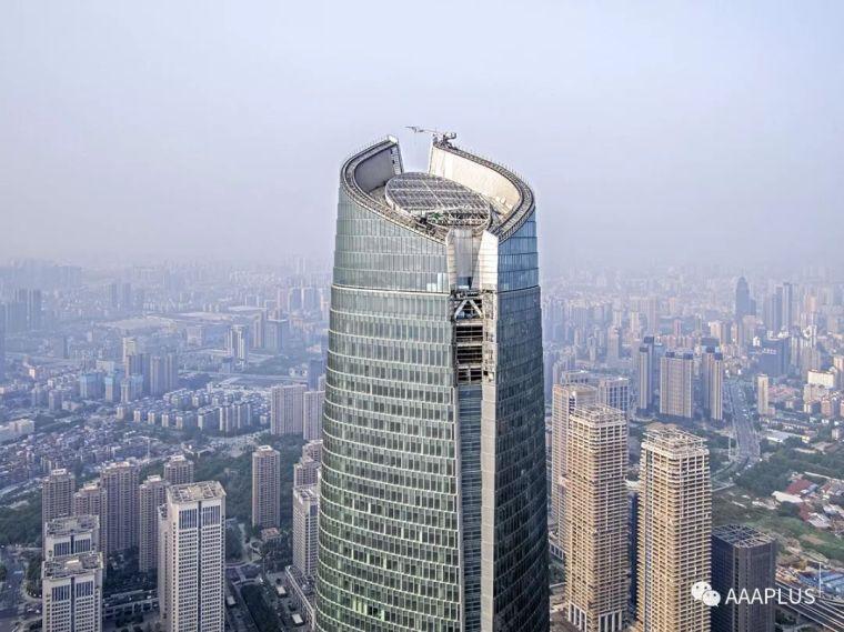 """武汉中心——""""华中第一高楼""""生成记录!"""