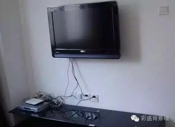 电视墙的插座开关如何安排?别等入住才后悔。