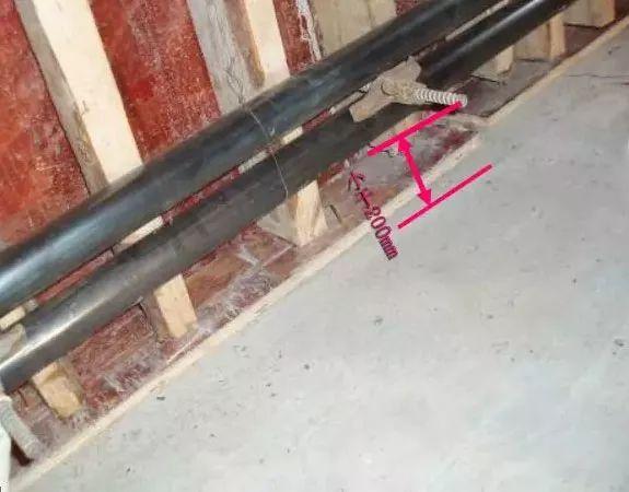 柱、墙模板这么施工,哪还有验收通不过的!_38