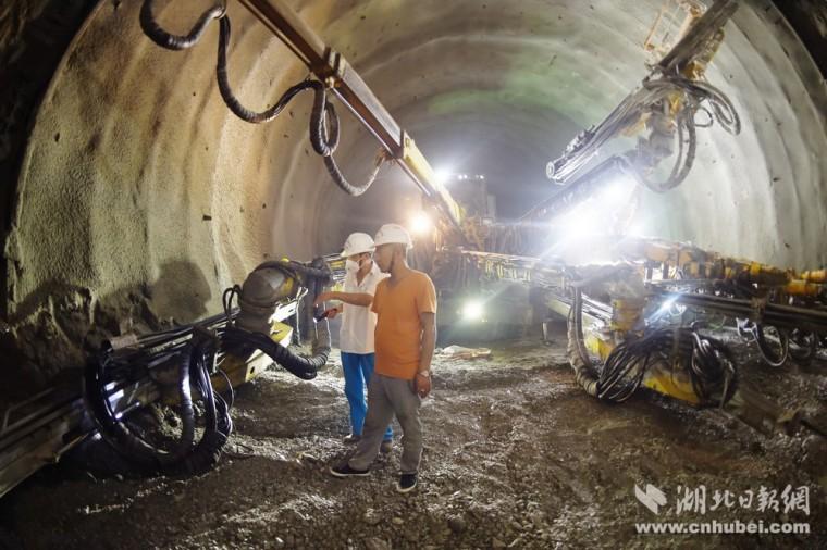深桩、大桩的旋挖施工问题及对策