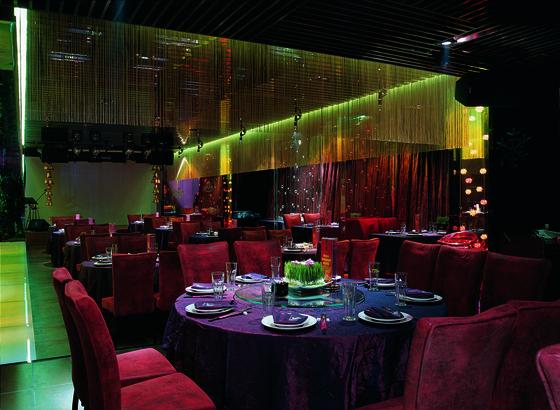 [北京]休闲现代社交聚会空间中青旅店室内CAD装修图(含实景)餐厅实景图