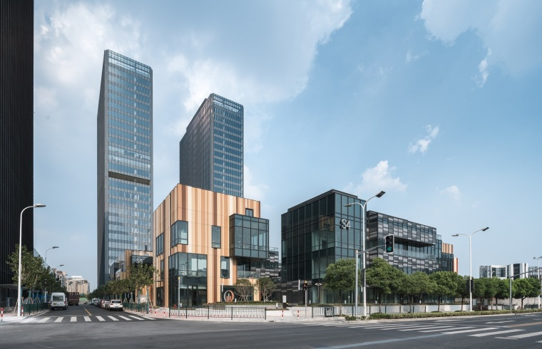 上海浦东前滩世贸建筑-1