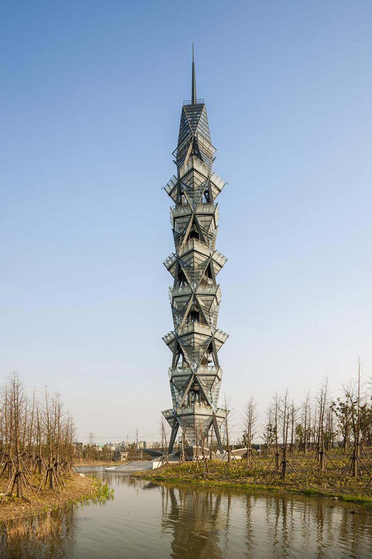 科技大学景观塔外部实景图