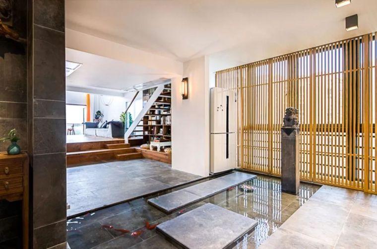 他在20楼挖池塘、造园子,把家改成空中花园,只花3000元