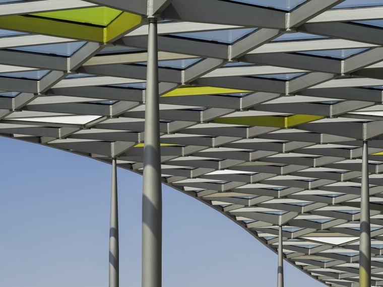 埃斯林根汽车站周围景观实景图 (1)
